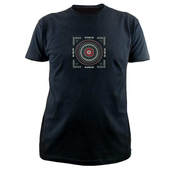 Вышитая футболка №22