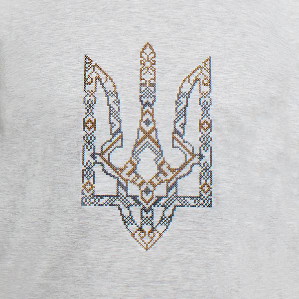 Вышитая футболка №24