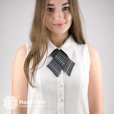 Вышитый кросс-галстук №701