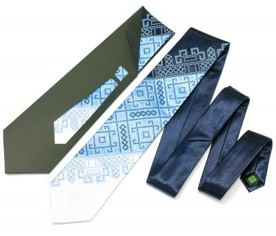 Галстук с вышивкой Синее Трио
