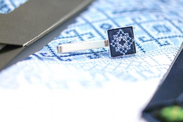 Вышитый галстук с зажимом Синее Трио