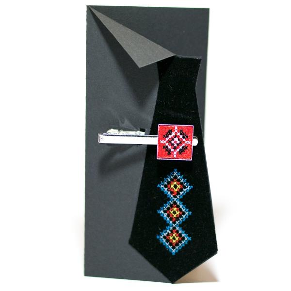 Вышитый зажим для галстука с орнаментом (красный)