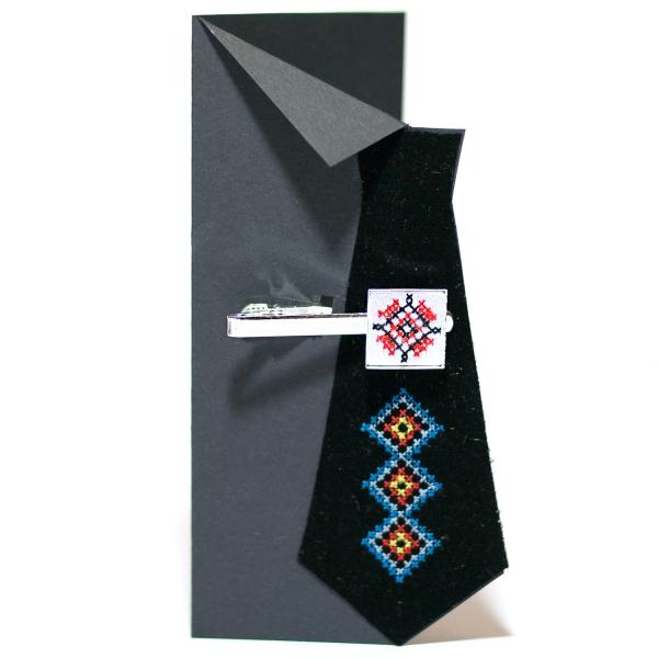 Вышитый зажим для галстука с орнаментом (белый)