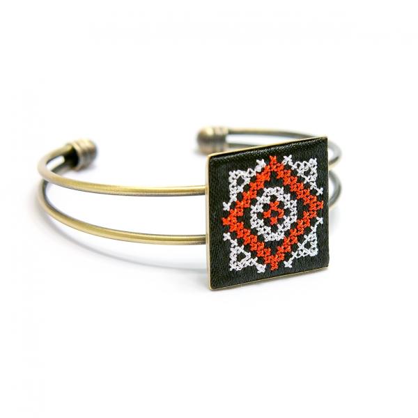 Вишитый браслет Чаяна