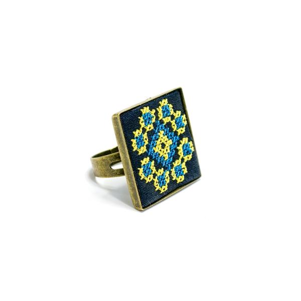 Вышитое кольцо Росава