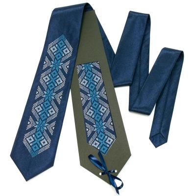 Вышитый галстук Осока