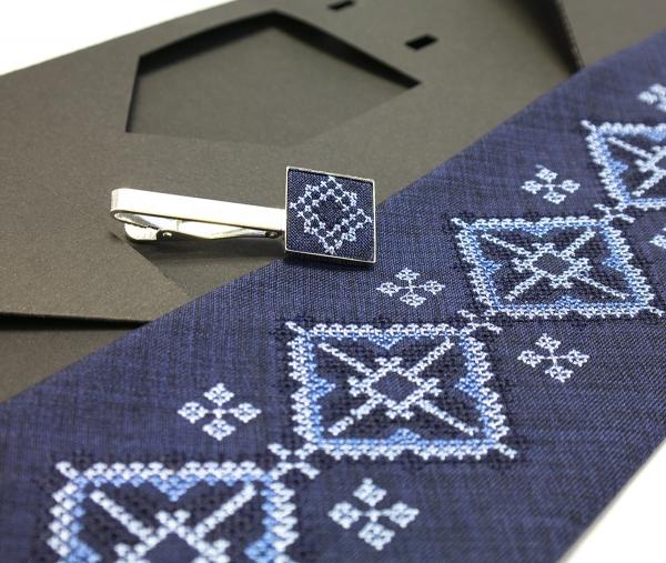 Вышитый галстук с зажимом Ярун