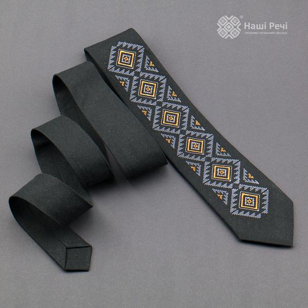 Вышитый галстук из льна №926