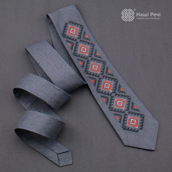 Вышитый галстук из льна №928