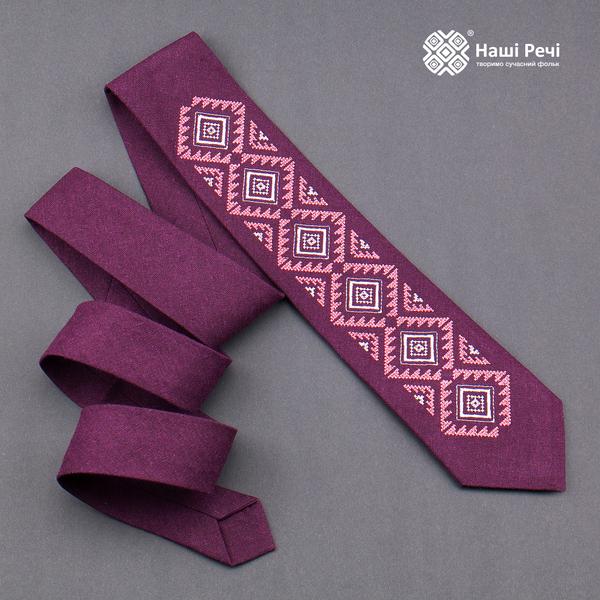 Вышитый галстук из льна №930