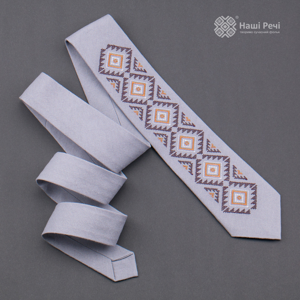 Вышитый галстук из льна №927