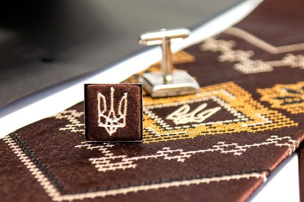 Вышитый набор с платком и запонками Богород