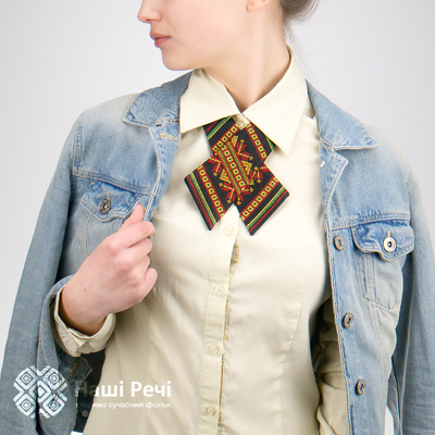 Кросс-галстук с вышивкой Волшебница