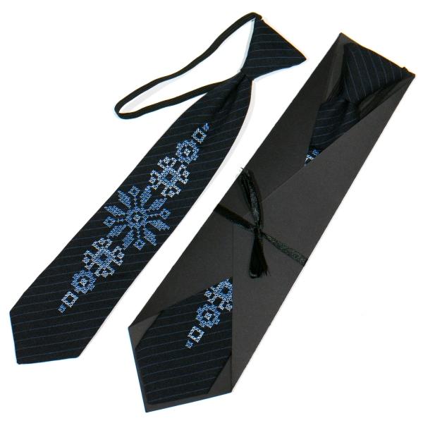 Детский вышитый галстук №776