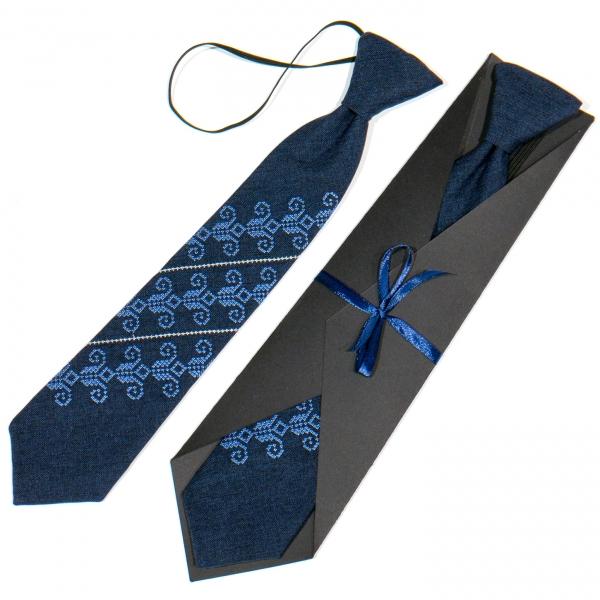Детский вышитый галстук №779