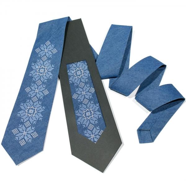 Джинсовый вышитый галстук №684