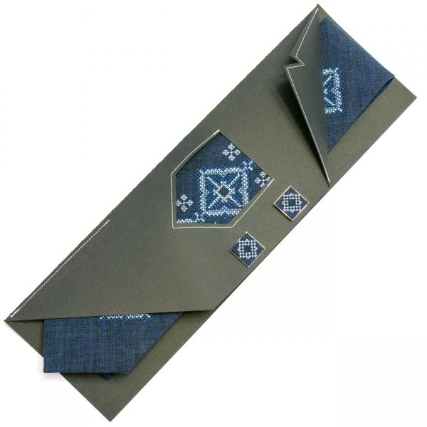 Вышитый галстук с запонками Малыга