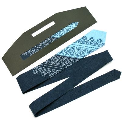 Узкий вышитый галстук Снежко