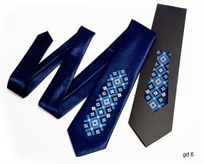 Детский галстук с вышивкой Тихон