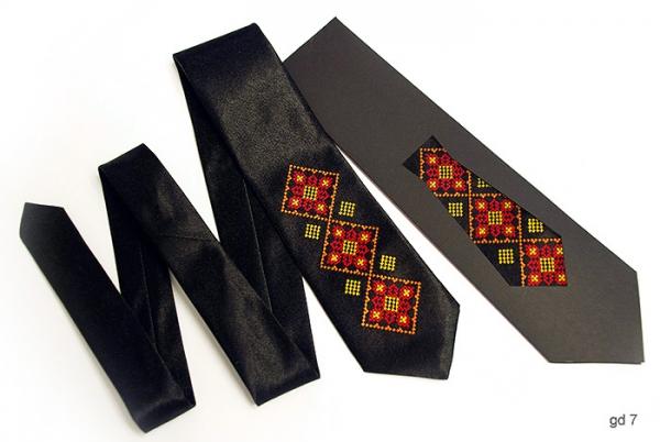 Детский галстук с вышивкой Русан