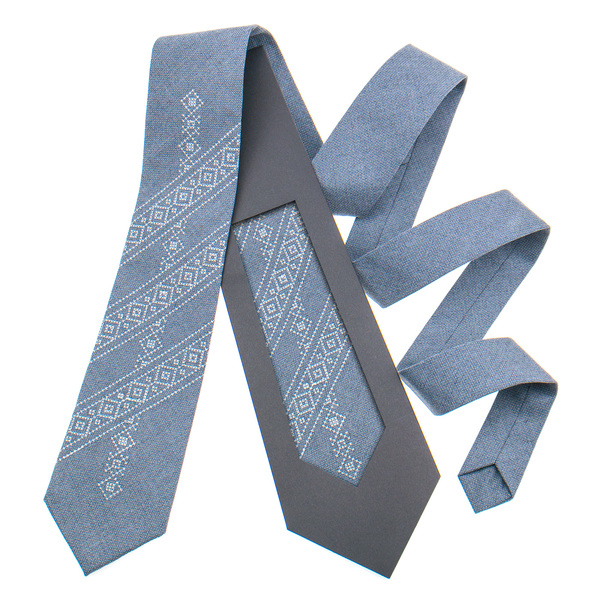 Классический галстук с вышивкой №849