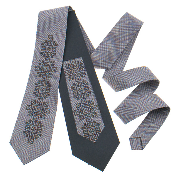 Классический галстук с вышивкой №915