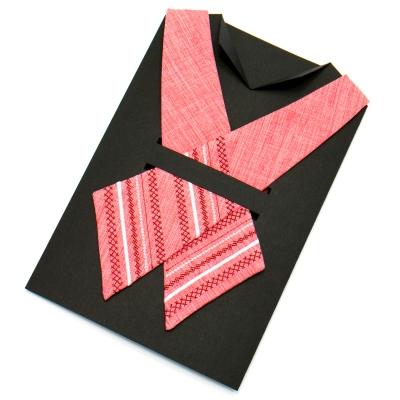 Вышитый кросс-галстук №705