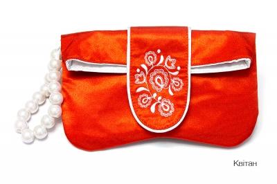 Клатч с вишивкоюі Квітан
