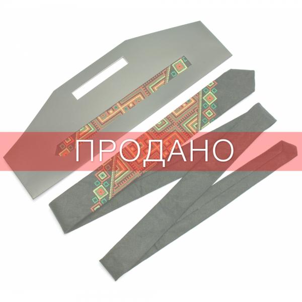 Узкий вышитый льняной галстук Лихач