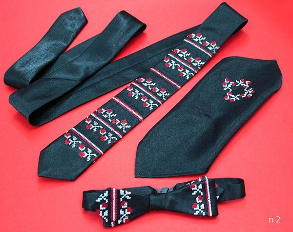Мужской набор: галстук, бабочка, платок