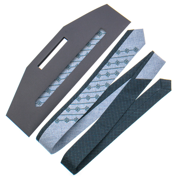 Оригинальный галстук с вышивкой №841