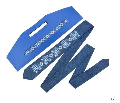 Джинсовый галстук с вышивкой Свитан