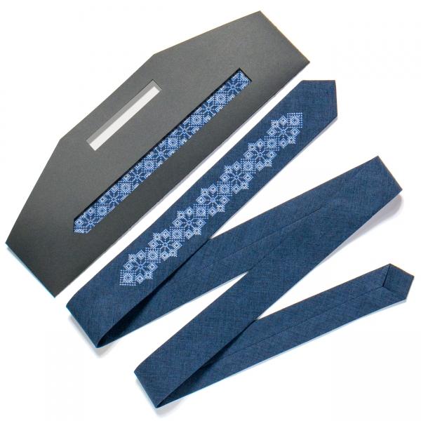 Узкий вышитый галстук №720