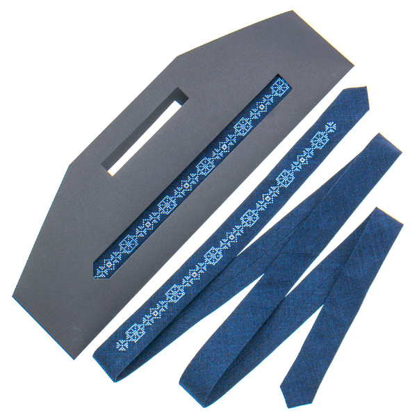 Тонкий галстук с вышивкой №830