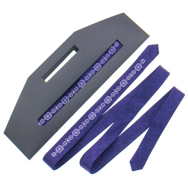 Тонкий галстук с вышивкой №833