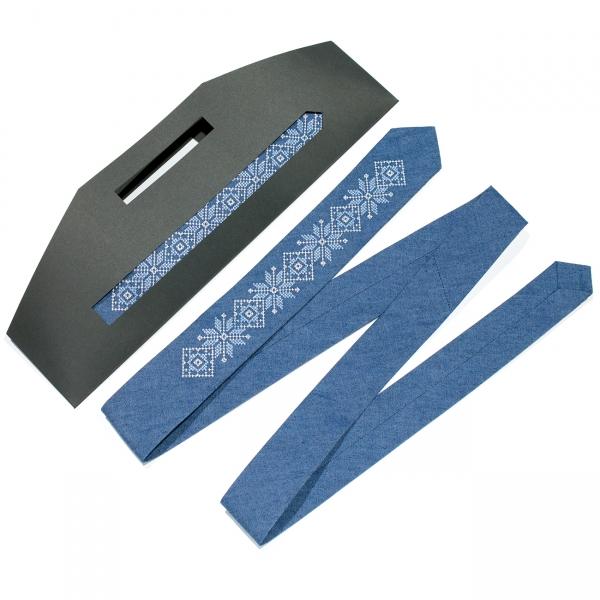 Тонкий джинсовый вышитый галстук №685