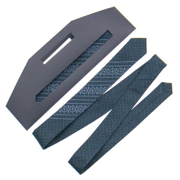 Узкий галстук с вышивкой №837
