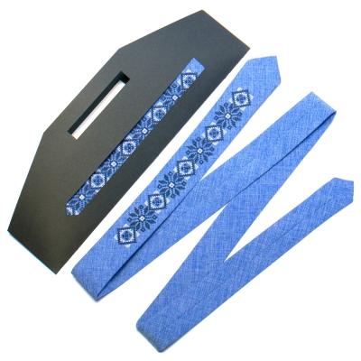Узкий вышитый галстук №734