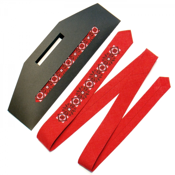 Узкий вышитый галстук №737