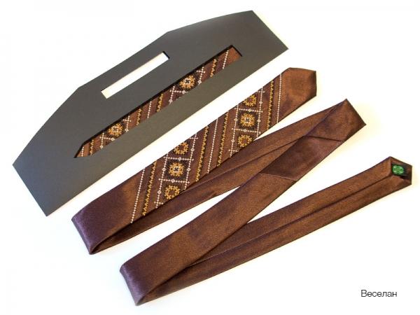 Узкий галстук с вышивкой Веселан