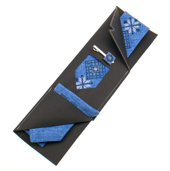 Вышитый галстук с платком и зажимом №864
