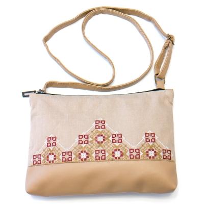 Вышитая сумка на плечо №707