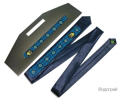 Узкий галстук с вышивкой Водограй