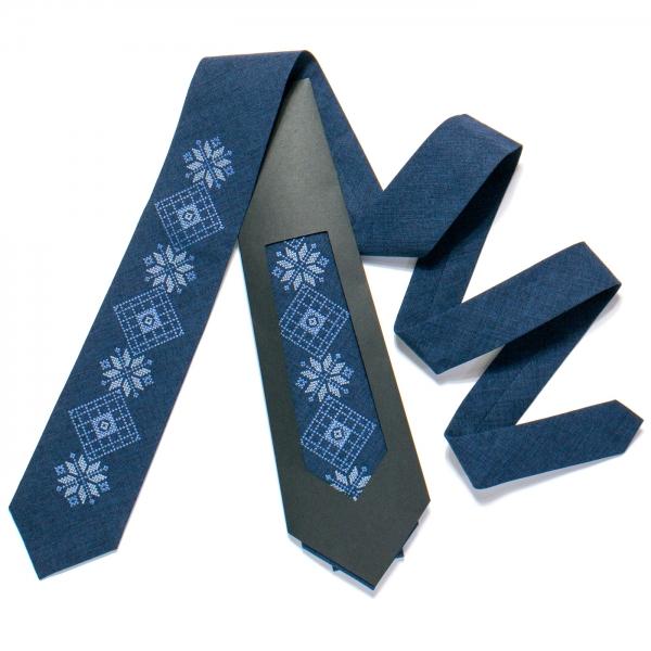 Вышитый галстук №726