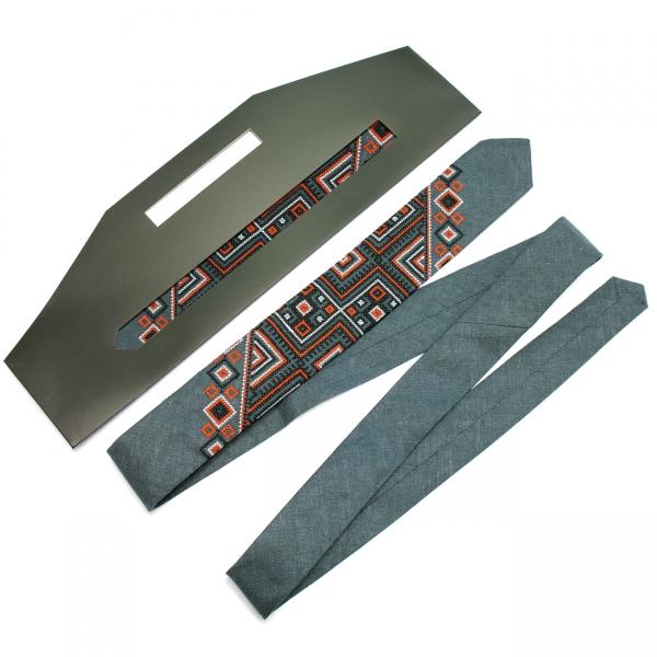 Узкий вышитый льняной галстук Сова