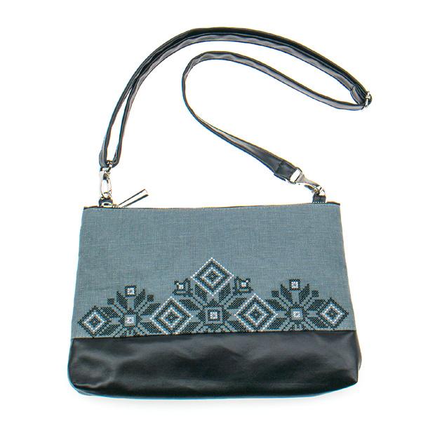 Вышитая сумка на плечо или запястье №899