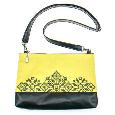 Вышитая сумка на плечо или запястье №900