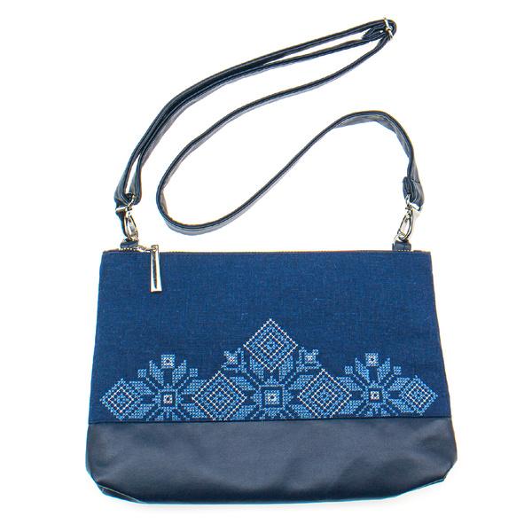 Вышитая сумка на плечо или запястье №902