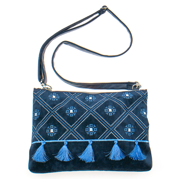 Вышитая сумка на плечо или запястье №877