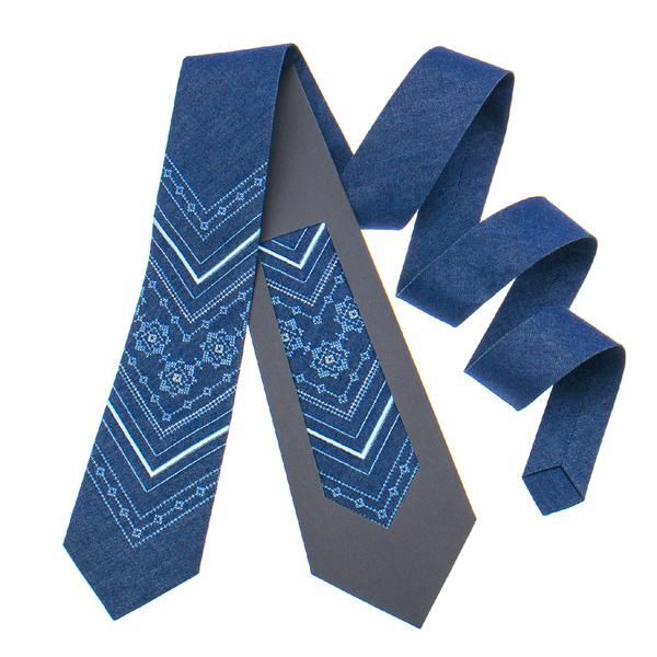 Джинсовый галстук с вышивкой №897